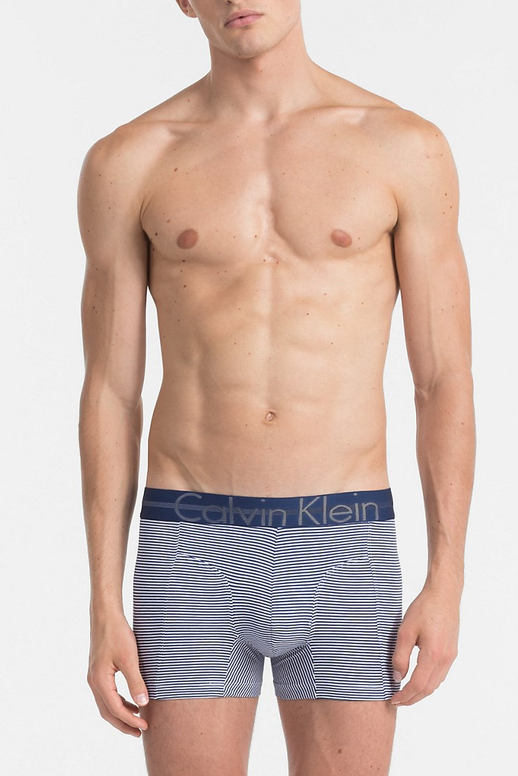 Calvin Klein boxeri albastri cu dungi Focused Fit