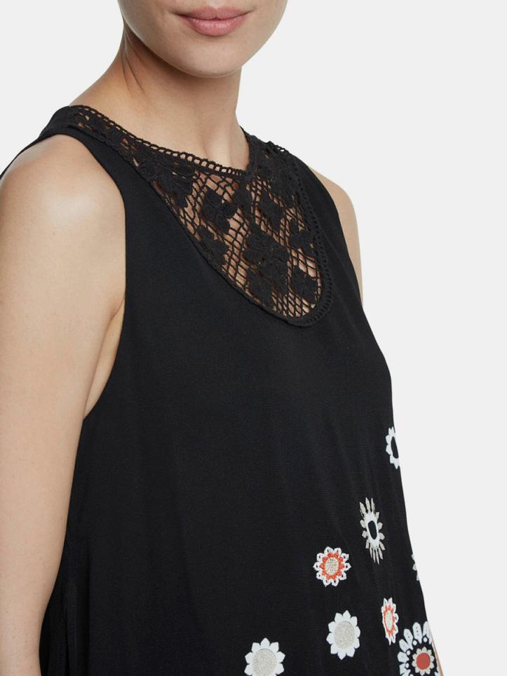 Bluză neagră cu model negru